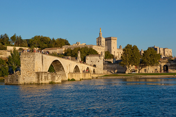 Attractions and Places to Visit in Avignon